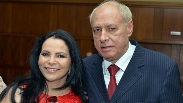 Deputado estadual Iso Moreira (PSDB) e a esposa, a ex-prefeita de Simolândia Ildete Gomes Ferreira | Foto: Carlos Costa / Assembleia Legislativo Goiás