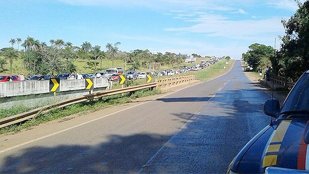 BR-020 está bloqueada nos dois sentidos desde o início da manhã | Foto: PRF