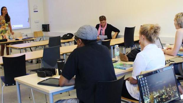 Aula de português do Brasil na Universidade de Aarhus, na DinamarcaGiselle Garcia / Repórter da Agência Brasil