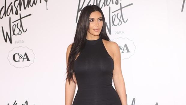 Kim Kardashian lança coleção de roupas em parceria com a CeA
