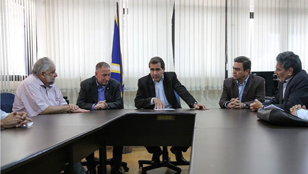 Prefeito recebe representantes classistas para debater Plano Diretor