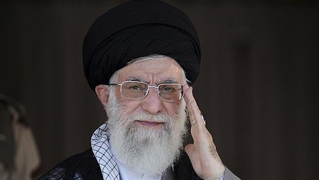 Aiatolá Ali Khamenei: seu veto às inspeções em bases militares pode pôr a perder toda a negociação entre Irã e superpotências  | AP Photo/Office of the Iranian Supreme Leader