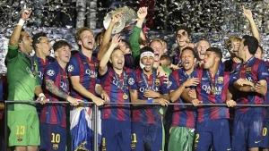 Neymar, ao centro, comemora título com companheiros do Barcelona | Foto: Reprodução/UEFA