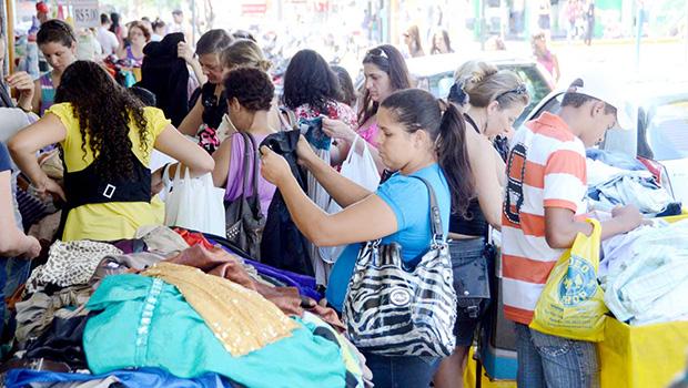 Quase 40% das famílias de Goiânia estão endividadas, diz Fecomércio