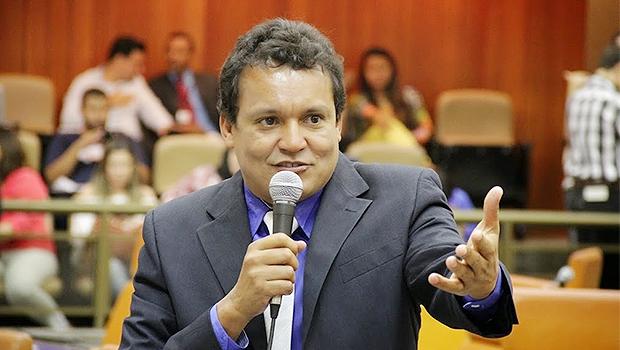 Vereador Felisberto Tavares relata dificuldade em conversar com José Vitti   Foto: Alberto Maia/Câmara de Goiânia