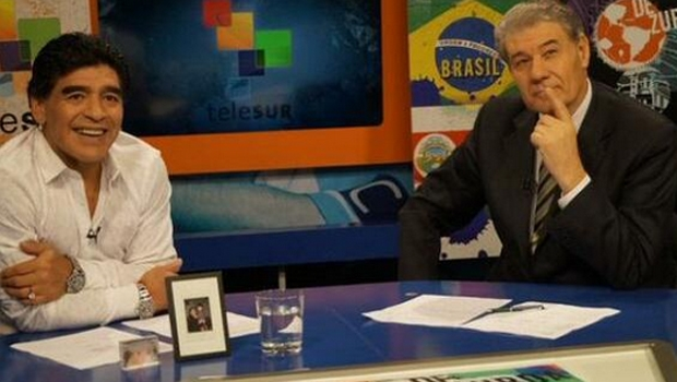 Maradona e Victor Hugo Morales   Foto: Twitter