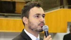 Mizair Lemes Jr. quer afastamento de discussões do PMDB municipal | Foto: Eduardo Nogueira/Câmara de Goiânia