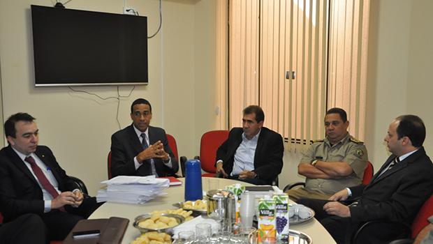 Prefeitura, MP e Segurança Pública se reúnem para discutir atribuição de competências