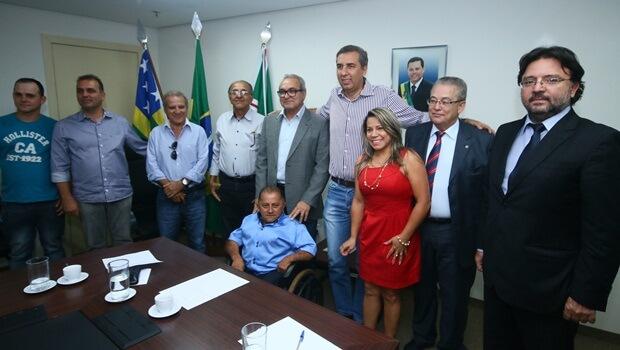 Lideranças de Trindade se reúnem com José Eliton para oficializar saída do PTB