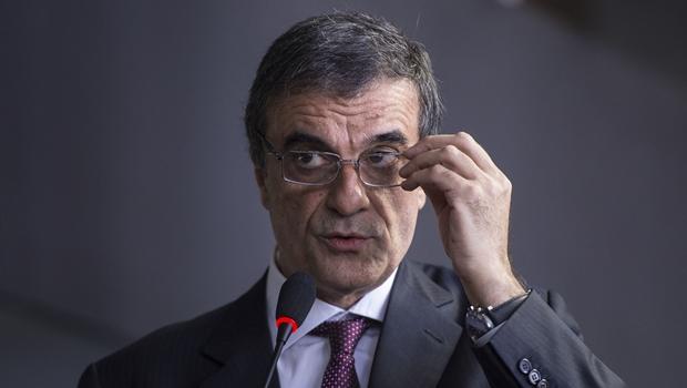 A OAB do Distrito Federal cobra a demissão do ministro da AGU, José Eduardo Cardozo