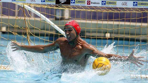 Atleta brasileiro acusado de abuso sexual já está no Brasil