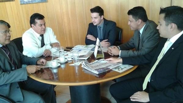Presidente Enil reunido com conselheiros de  Senador Canedo