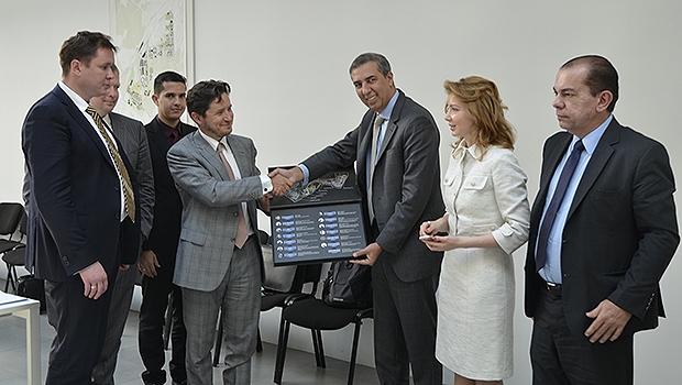 Missão goiana durante visita à Fundação Skolkovo, na Rússia   Foto: SED Goiás/Divulgação