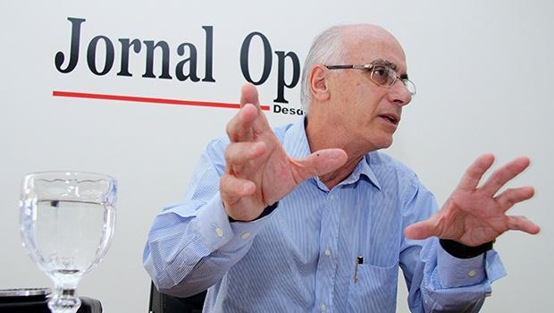 Reitor da UFG, Orlando do Amaral diz que negociações competem ao governo federal | Foto: Fernando Leite/Jornal Opção