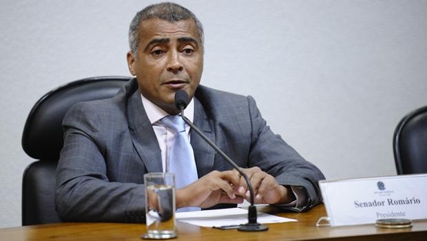CPI da CBF é instalada no Senado e elege Romário presidente