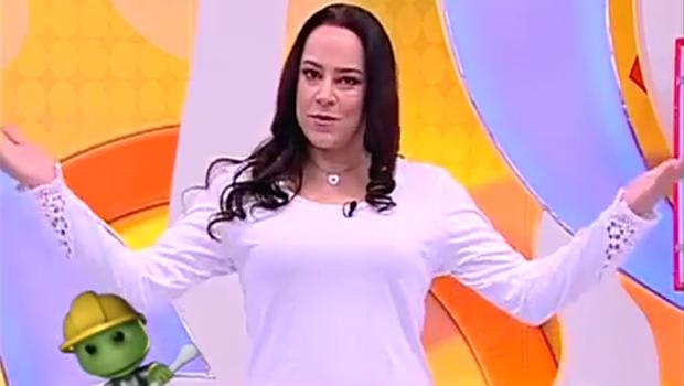 Sem crianças, filha de Silvio Santos se atrapalha ao apresentar Bom Dia & Cia