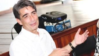 """Diretor Aluizio Abranches: """"Cinema não é só do diretor Eu participo desde o início até o último minuto e é um processo muito longo; leva quase um ano"""""""