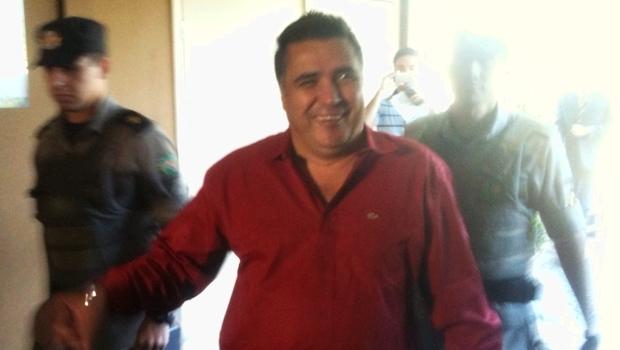Ex-deputado chegou ao MP acompanhado de policiais e afirmou estar tranquilo | Foto: Marcello Dantas