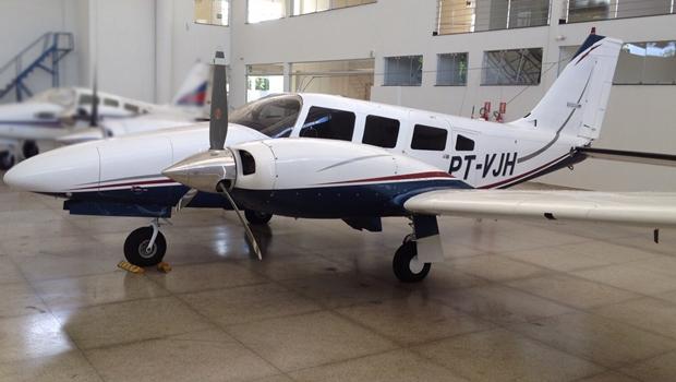 Governador Marconi Perillo entrega avião ao Corpo de Bombeiros