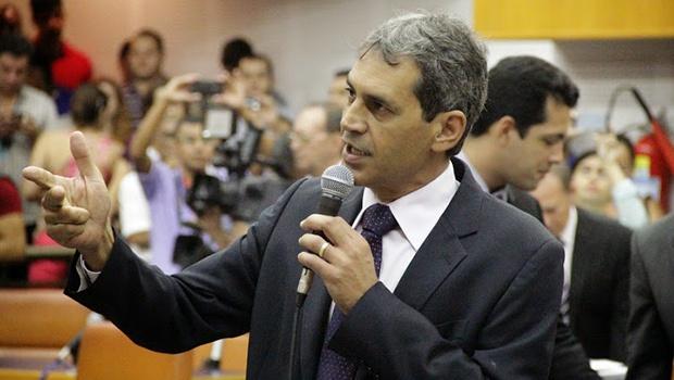 Vereador Carlos Soares pediu vistas | Foto: Alberto Maia/Câmara de Goiânia