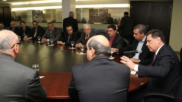 Marconi seu reuniu com empresários e representantes da Celg no Palácio Pedro Ludovico Teixeira   Foto: Divulgação