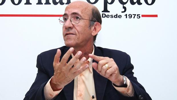 """""""Em uma canetada só, diminuiu R$ 104 da renda anual de 67 milhões de pessoas"""", diz Otoni"""