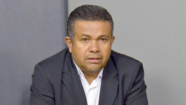 Família Calil pode perder controle do PSL para o deputado Santana Gomes