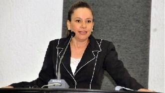 """Deputada Josi Nunes: """"Problema é que quem chega quer ser dono do PMDB"""""""