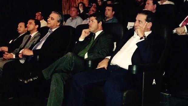 Delegado Waldir Soares  e Vanderlan Cardoso (à dir.), durante fórum na capital | Foto: Marcello Dantas
