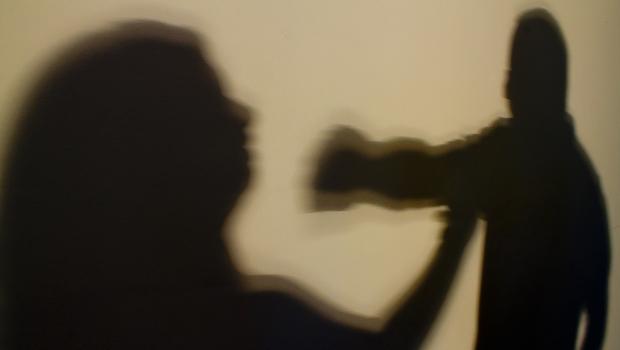 Denúncias de violência contra a mulher crescem em Goiás