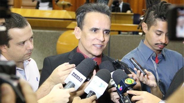 Vereador Zander durante o retorno do trabalho na Câmara, após recesso parlamentar | Foto: Alberto Maia