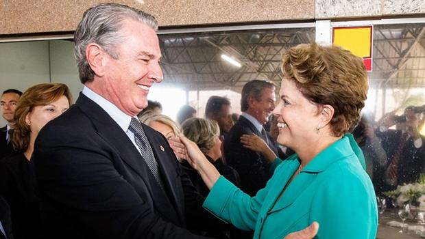 Fernando Collor e Dilma Rousseff: o primeiro sofreu impeachment, em 1992, e não houve instabilidade alguma; pelo contrário, a economia estabilizou-se com o Plano Real e voltou  a crescer. A segunda tenta sair do lugar, mas não consegue. A presidente paralisa o país