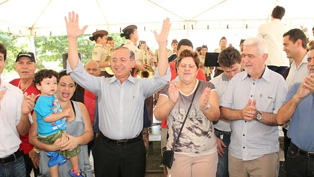 Prefeito em exercício, tucano Anselmo Pereira elogia Paulo Garcia em início de agenda