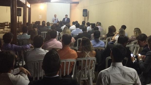 Flávio Buonaduce durante reunião que anunciou a criação da Anuidade Zero Social | Foto: divulgação