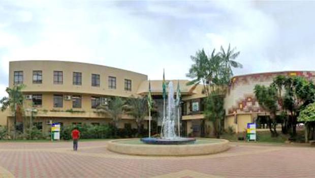 Câmara aprova projeto de terceirização de serviços municipais