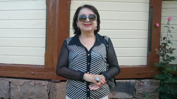 Lêda Selma derrota Aidenor Aires e é eleita presidente da Academia Goiana de Letras