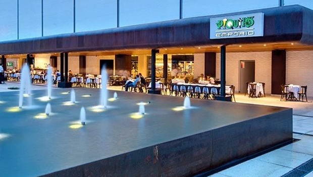 Fachada do restaurante Piquiras do Flamboyant, o mais novo do grupo | Foto: Reprodução/Site