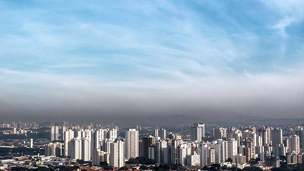 Meta do Brasil é reduzir emissão de gases em 43% até 2030, anuncia Dilma