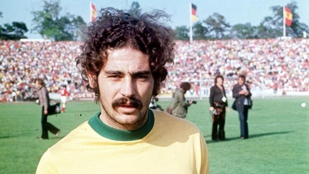 Maurício Noriega lança biografia de Rivellino, o duque da seleção de 1970