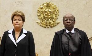 Joaquim Barbosa e Dilma Rousseff tn_620_600_STF_Barbosa_posse1