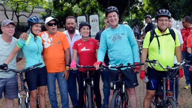 Paulo Garcia participou de passeio ciclístico durante inauguração | Divulgação/Prefeitura de Goiânia
