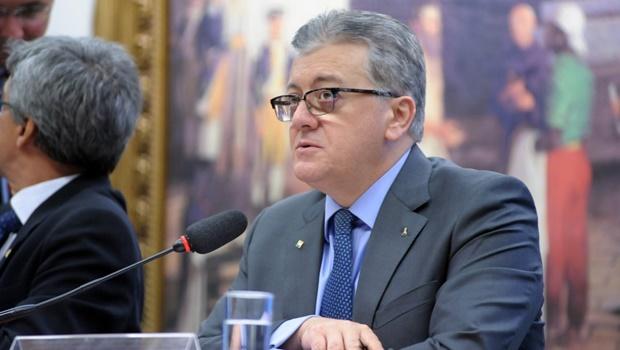 Discussão sobre convocação de Cunha marca sessão da CPI da Petrobras