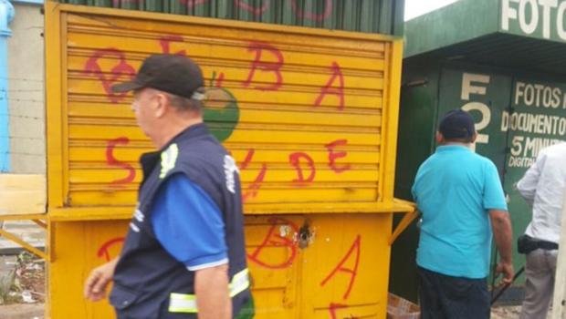 Fiscais removem lojas de ambulantes na Avenida Rio Verde | Twitter/Prefeitura de Goiânia