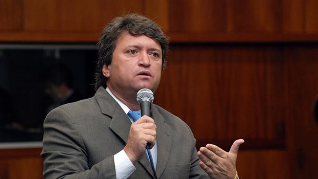 TSE concede liminar e Evandro Magal reassume prefeitura de Caldas Novas