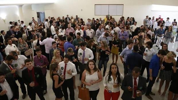 Buonaduce reúne 400 advogados para discutir propostas