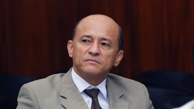 """Deputado do PMDB reconhece dificuldades na gestão Iris: """"É o remédio amargo"""""""