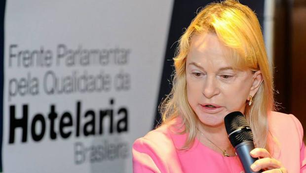 Pressionada por Dilma e Costa Neto, Magda Mofatto quase votou contra o impeachment