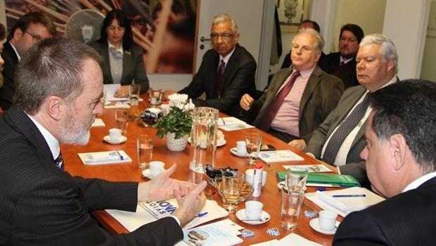 Governador se reúne com executivos alemães, em Munique   Foto: Marcos Villas Boas