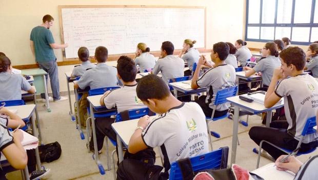 Educação básica: contratos temporários não satisfazem