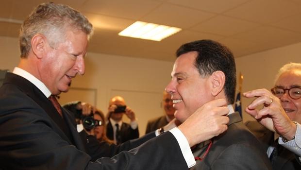 Marconi recebe a Comenda da Ordem da Coroa da Bélgica | Seminário Promoção de Investimentos em Goiás